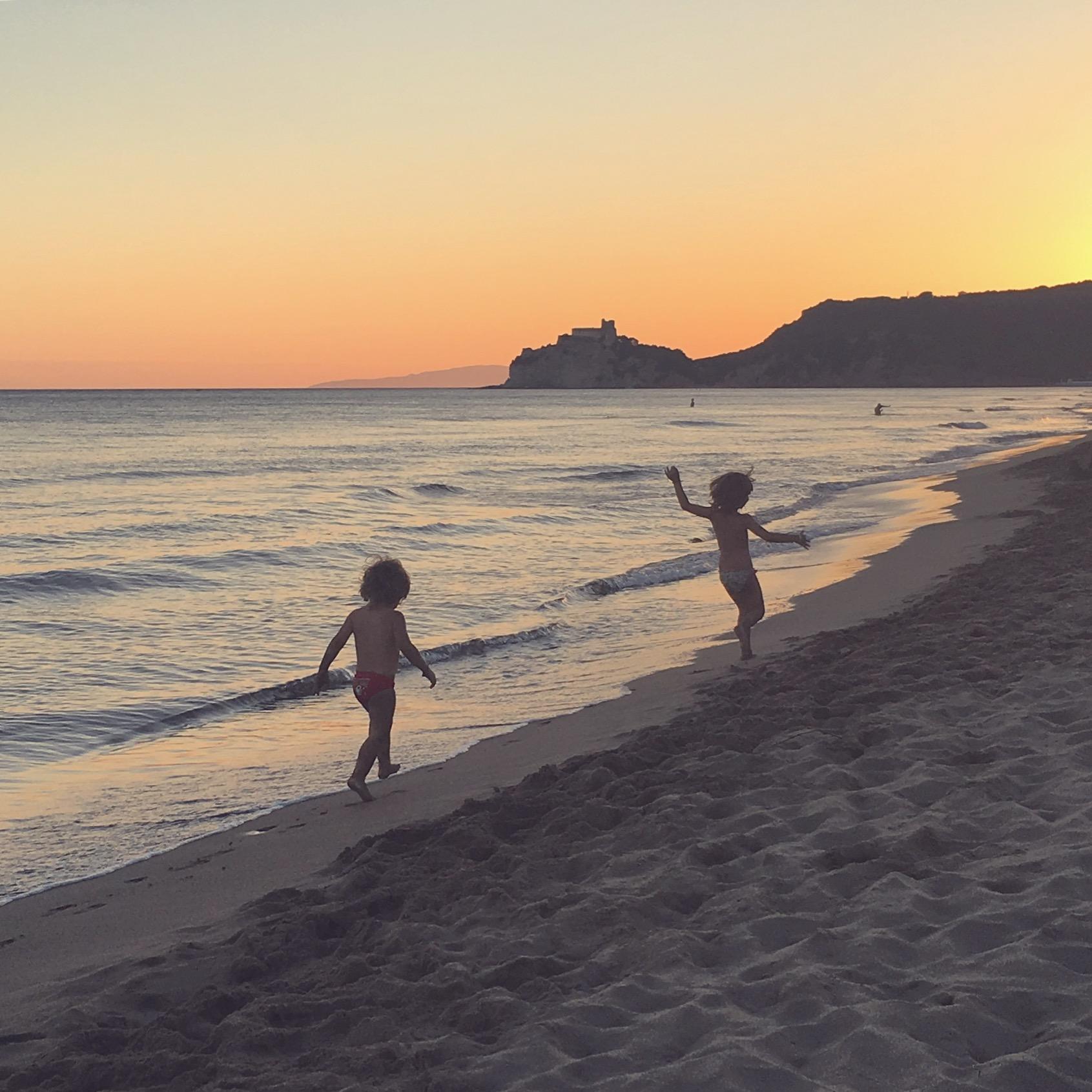 L'apologia delle mamme in spiaggia. Ovvero sulla difesa di ogni modo di essere.